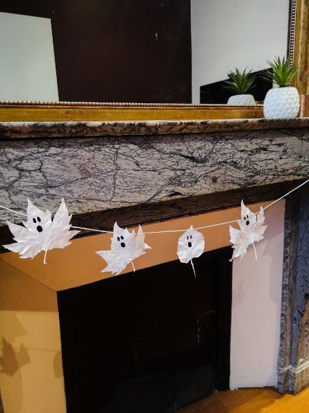 feuilles décorées halloween