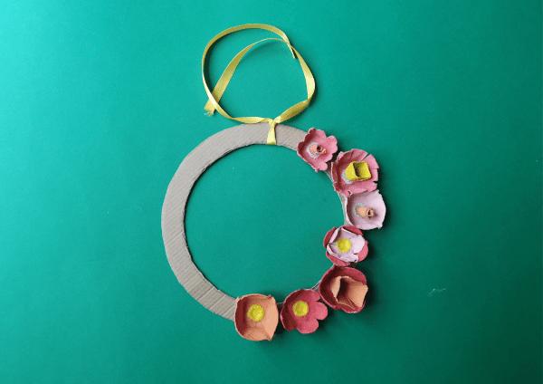 Etape 5 couronne fleurs